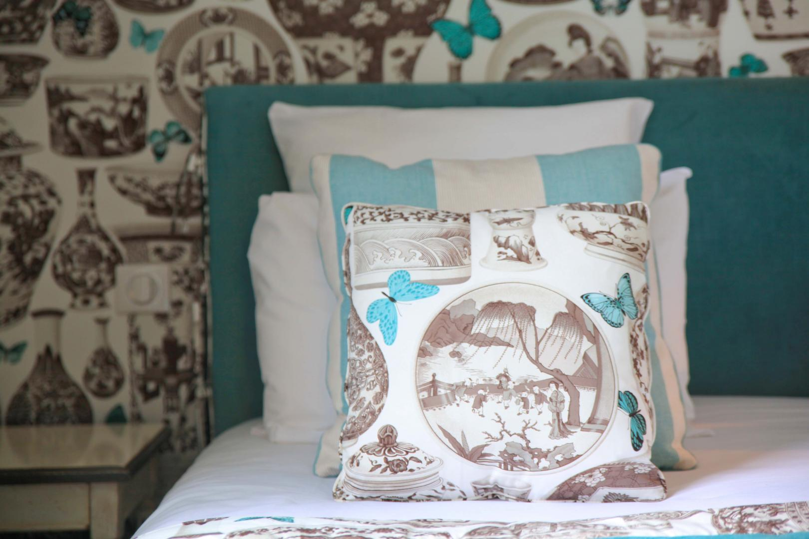 Headboards and bedspreads